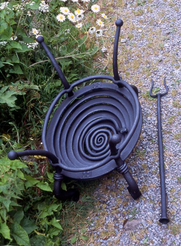 Snake grate fire basket. (1998)